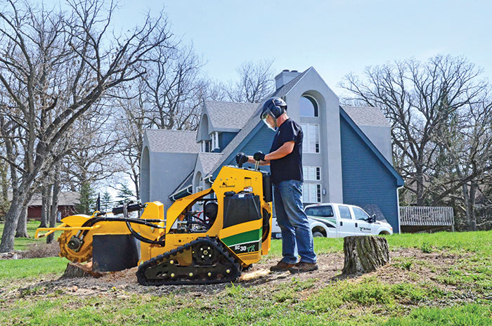 Vermeer Stump Grinder >> 25 hp Stump Grinder for Rent | Decker Tool Rental
